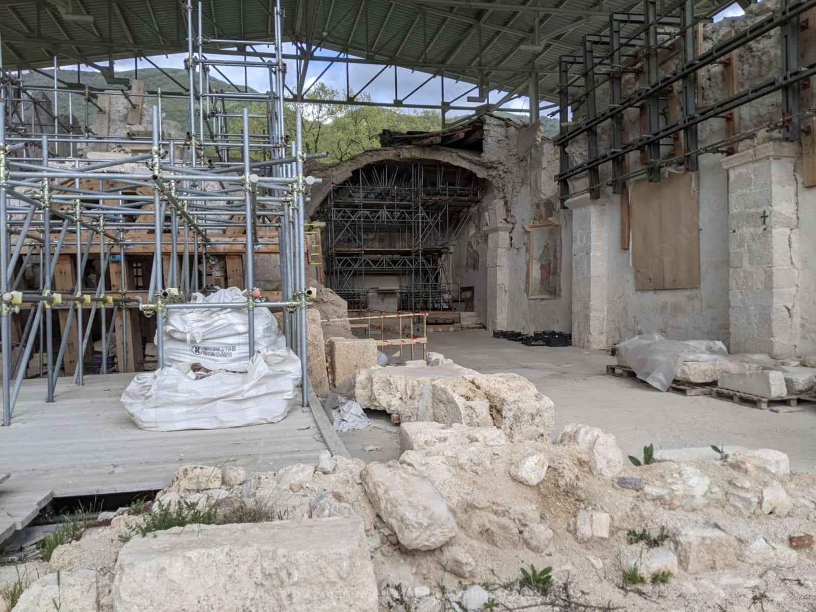 Vieni alla scoperta di San Salvatore con le giornate FAI di Primavera. Contiene il video della prima visita e le informazioni storiche.